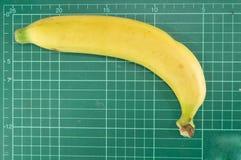 Banan på att klippa som är mattt Arkivbild