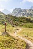 Banan undertecknar på italienska Alps Royaltyfri Bild