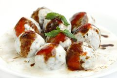 Banana dahi vada focus on middle vada Royalty Free Stock Images