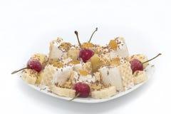Banana del dessert della coppa gelato - ciliege congelate Fotografia Stock Libera da Diritti