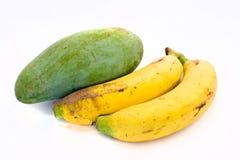 Banana e mango isolati Fotografia Stock Libera da Diritti