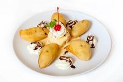 Banana fritada com gelado Imagens de Stock