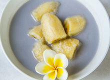 Banana in latte di noce di cocco Immagine Stock Libera da Diritti