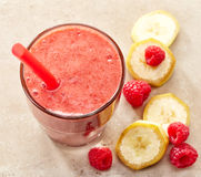 Banana and raspberry smoothie Royalty Free Stock Photography
