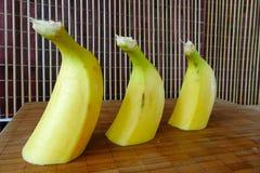 Bananas de Cutted em uma placa Fotografia de Stock Royalty Free