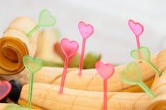 Bananas decoradas com corações Fotos de Stock Royalty Free