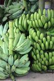 Bananas do mercado imagens de stock royalty free