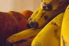 Bananas e ma??s imagens de stock royalty free