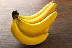Bananas maduras no fundo Imagens de Stock
