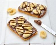 bananchokladrostat bröd royaltyfri fotografi