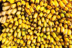 Banane al mercato Immagini Stock Libere da Diritti