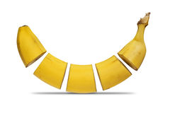 Banane geschnitten in fünf Stücken Lizenzfreie Stockfotografie
