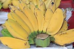 Banane im Verkauf Lizenzfreies Stockfoto
