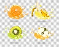 Banane, Orange, Kiwi, Apfel im Saft spritzt Stockfoto