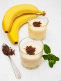 Banane Smoothie lizenzfreie stockbilder