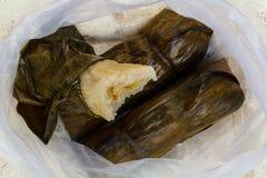 Bananen mit klebrigem Reis Lizenzfreie Stockfotos