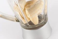 Bananen in mixer Stock Afbeeldingen