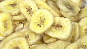 Bananenchips stock video footage