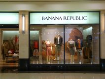 Bananenrepublik-Einzelhandelsgeschäft Stockbilder