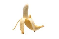 Bananer på vit bakgrund, isolerad skalad banan Arkivfoto