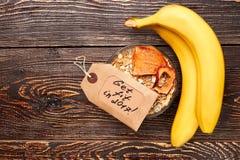 Bananes et partie de muesli Images libres de droits