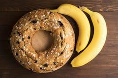 Banankaka med blåbär och sädesslag Fotografering för Bildbyråer