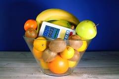 Bananowej owocowej banan owoc jądrowego napromieniania pomiaru promieniotwórczości pomiarowi promieniotwórczy karmowi foods badaj obrazy stock