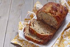 Bananowy chleb z pecan Zdjęcia Royalty Free