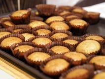 Bananowy filiżanka torta słodka bułeczka Obrazy Stock