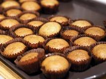 Bananowy filiżanka torta słodka bułeczka zbliżenie Obraz Stock