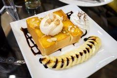 Bananowy gofr z lody Fotografia Stock