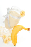 Bananowy milkshake tło. obrazy royalty free
