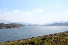 Banasura Sagar Dam - le plus grand barrage en terre dans l'Inde, Wayanad, Kerala Images stock