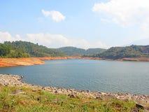 Banasura Sagar Dam - più grande diga di terra in India, Wayanad, Kerala Immagine Stock