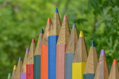 Banc de parc coloré de crayon Photographie stock libre de droits