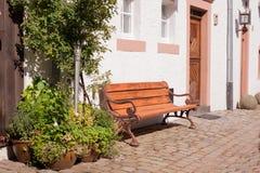 Banc romantique au soleil Photos stock