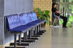 Banc sur le campus Photographie stock