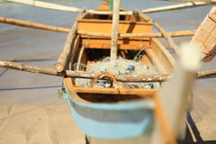 Banca łódź na plaży Zdjęcia Royalty Free