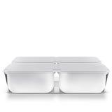 Banca in bianco di plastica bianca per alimento, olio, maionese, margarina, formaggio, gelato, olive, sottaceti, panna acida con  Fotografie Stock