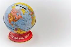 Banca del globo per conservare soldi o il porcellino salvadanaio di monete Fotografia Stock Libera da Diritti