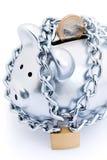 Banca piggy concatenata e chiusa a chiave Fotografia Stock Libera da Diritti