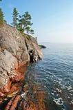 Banca rocciosa del lago ladoga Fotografia Stock Libera da Diritti