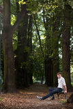 banch ανατολή πάρκων ατόμων Στοκ φωτογραφία με δικαίωμα ελεύθερης χρήσης
