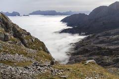 Banche di nebbia nelle alpi austriache Fotografie Stock