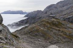 Banche di nebbia nelle alpi austriache Fotografia Stock