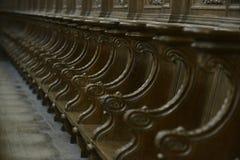 Banchi di chiesa della chiesa di fila Immagine Stock
