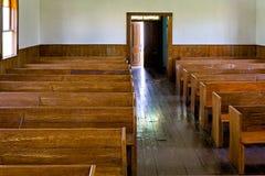 Banchi di chiesa in una cappella Immagini Stock Libere da Diritti