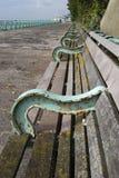 Banchi sul lungonmare di Brighton. Il Regno Unito Fotografia Stock