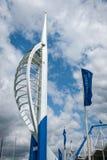 Banchine Portsmouth Inghilterra di Gunwharf della torre dello spinnaker Fotografia Stock