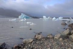 Banchise sulla laguna del ghiacciaio di Jokulsarlon del lago Fotografie Stock Libere da Diritti